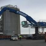 Auka afköstin í Helguvík – Nýtt 130 tonna þjónustutæki komið til landsins
